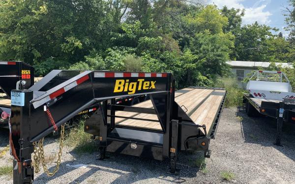 Big Tex 22GN 22,500#,TD,GN,102 x 35 +5 Lo Pro,DT,2-MegaRamps,Black