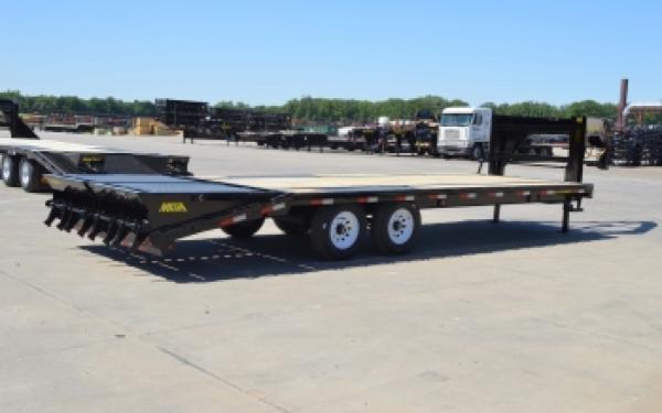 14GN Big Tex Dual Axle Trailer 20'+5' w/ Mega Ramps