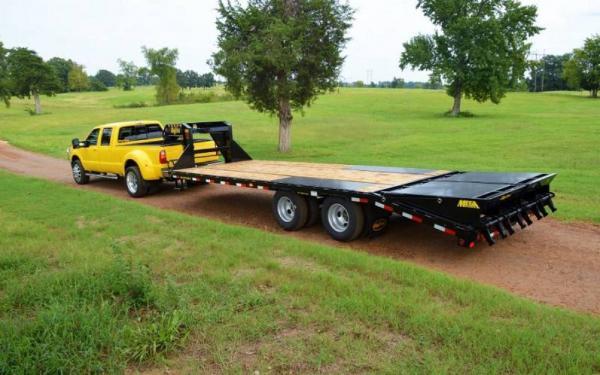Big Tex 20'+5' Tandem Dual Axle Goosneck w/Mega Ramps