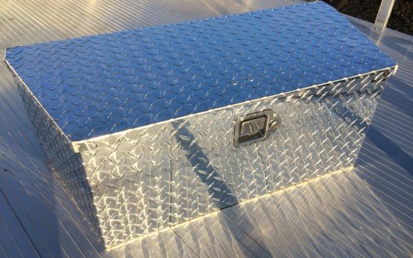Aluminum Locking Diamond Plate Tongue Box