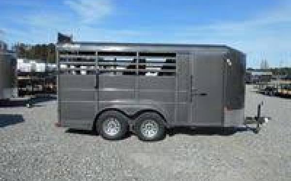 DELTA 500 ECONOMY STOCK COMBO BUMPER PULL HORSE TRAILER