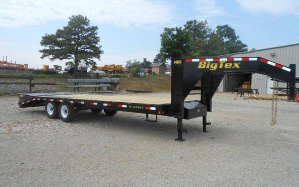 """Big Tex 102""""x20'+5 Tandem Axle Gooseneck w/Mega Ramps"""