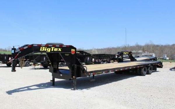 Big Tex 22GN 22,500#,TD,GN,102 x 28 +5 Lo Pro,DT,2-MegaRamps,Black