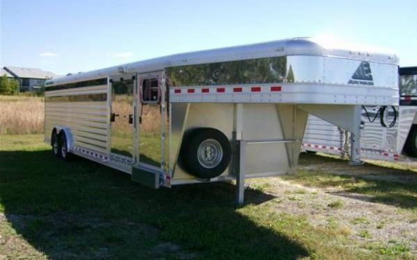Elite Trailers 28' Showstock w/ Tack Room and Side Ramp